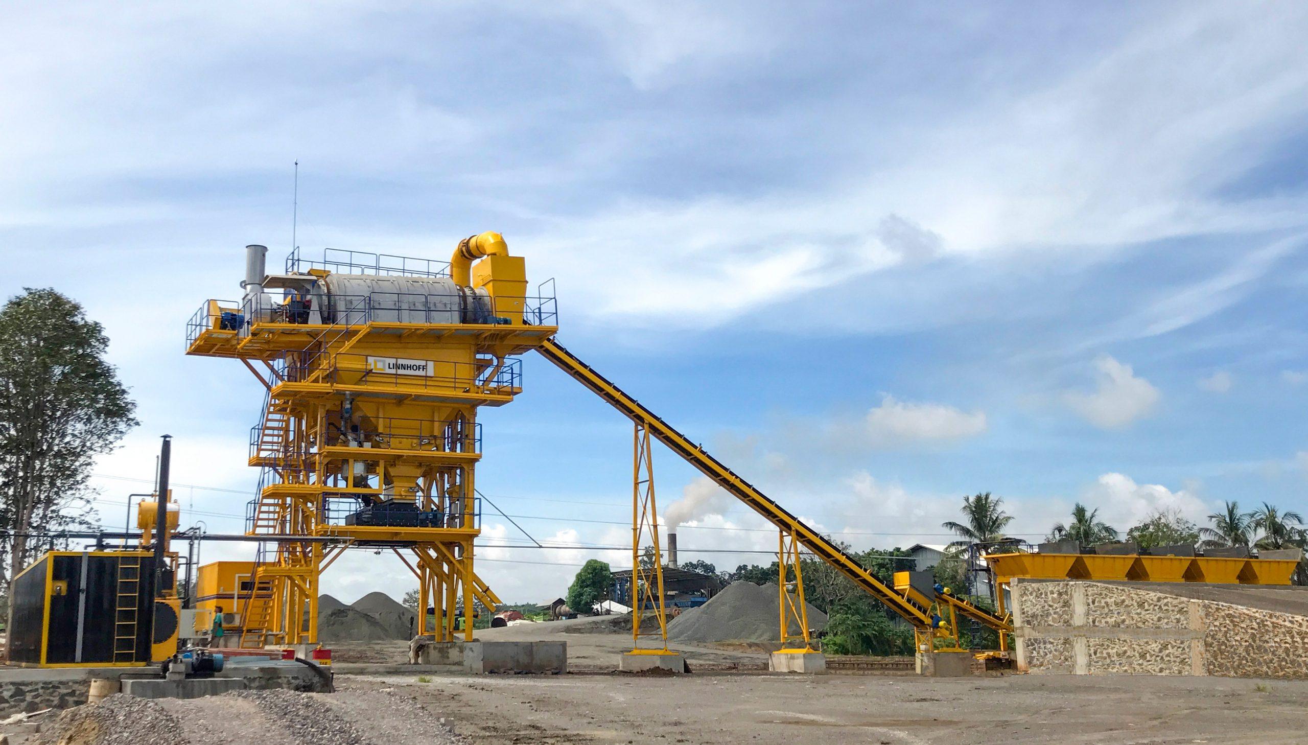 Linnhoff asphalt plants hit 1.5-million-ton mark on Trans-Sumatra Toll Road